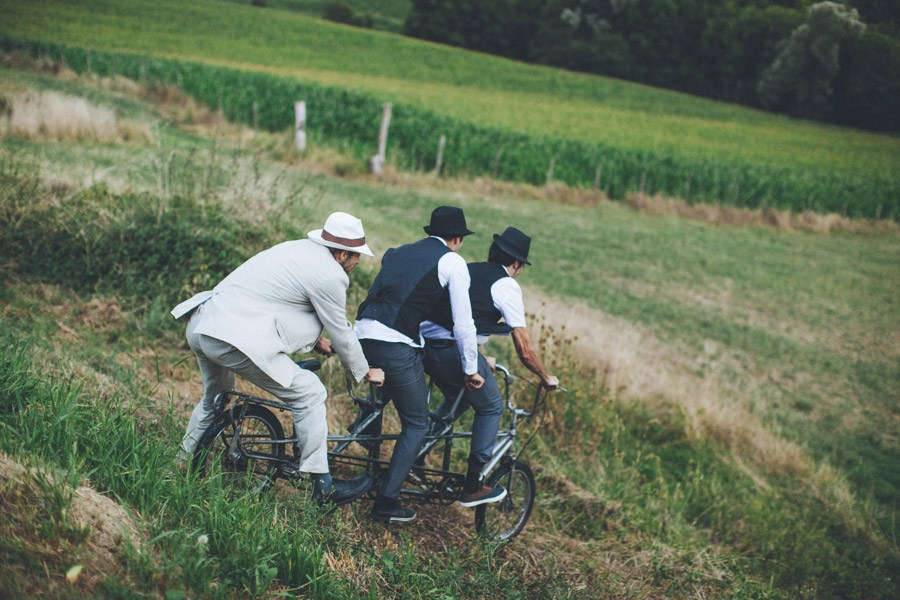 Very-Personalized-French-Wedding-a-Triplet-and-a-Bunch-of-Happy-Friends-1