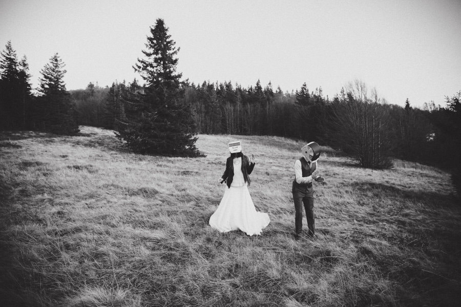 post-wedding-session-in-the-woods-photography-by-winter-08