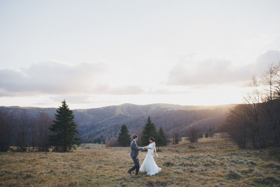 post-wedding-session-in-the-woods-photography-by-winter-10