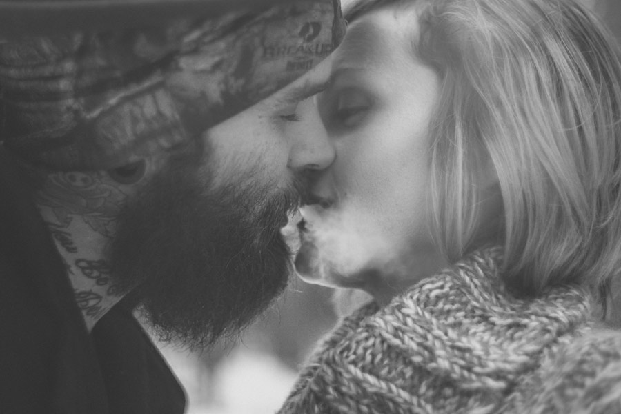 hipster-couple-session-snow-love-studio-20
