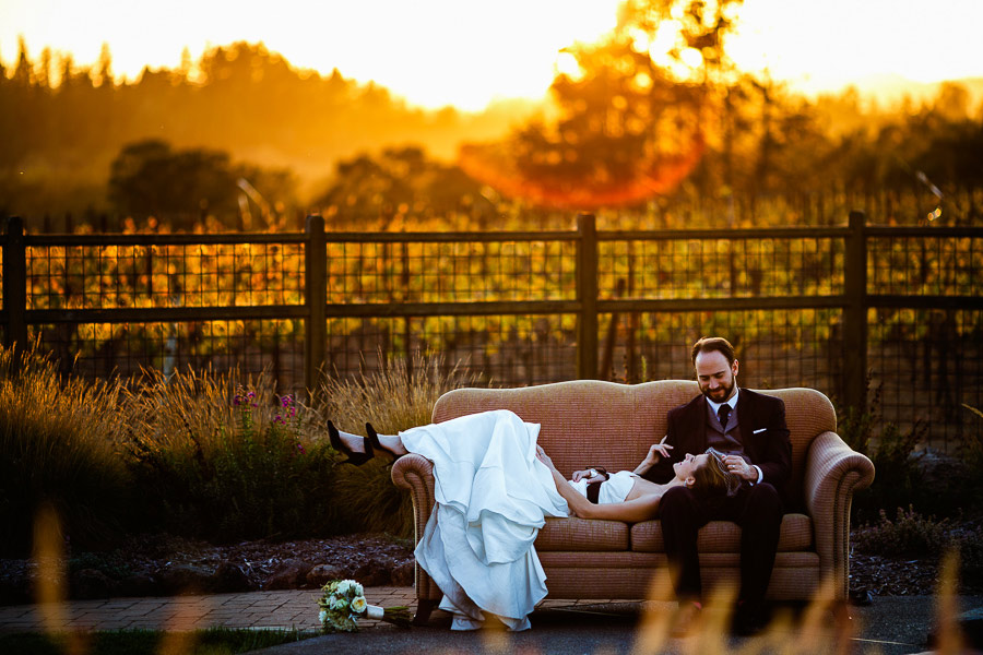 Wineyard-Wedding-Sofa-Swimmingpool-Marius-Barbulescu-13