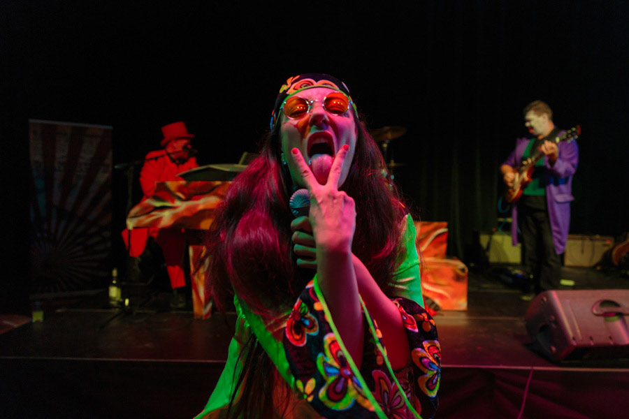 theater-circus-wedding-nicole-bosch-23