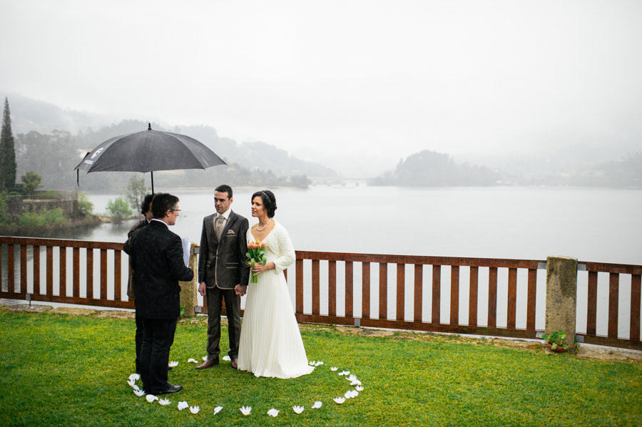 Rainy-Elopement-Portugal-12