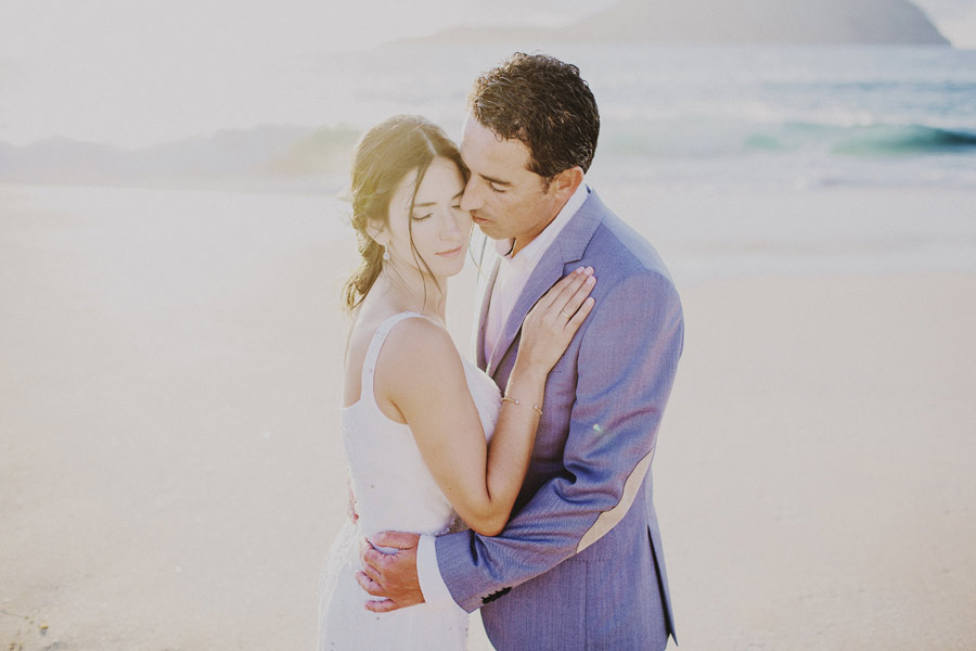 wedding-on-isolated-beach-pablo-beglez-23