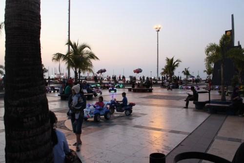 Astuces Exercices Maths - Pantai Losari - Makassar