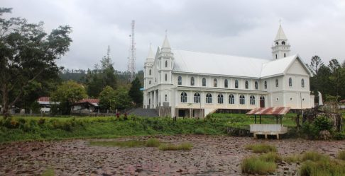 Statistiques, séries, boîtes, moyennes, écarts-type, première, Gereja Putih, Toraja