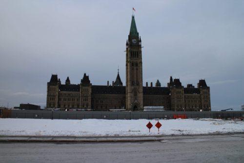 Suites, pourcentages, géométrique, calculs, somme, terminale, Parlement, Ottawa