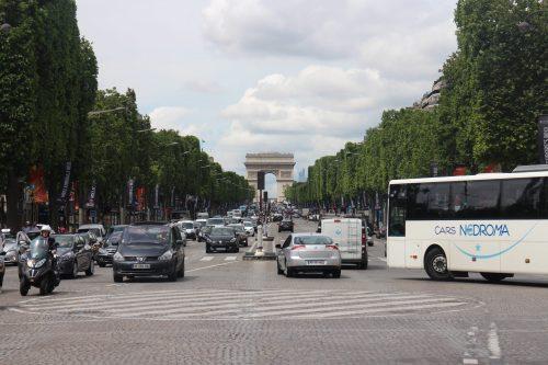 Exponentielle, dérivées, quotients, équation, inéquations, première, Champs Elysées, Paris