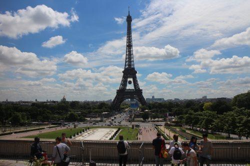 Exponentielle, équations, inéquations, carrés, signes- Première, Parc de Tuileries, Paris