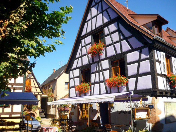 Half-timbered house in Bergheim © French Moments