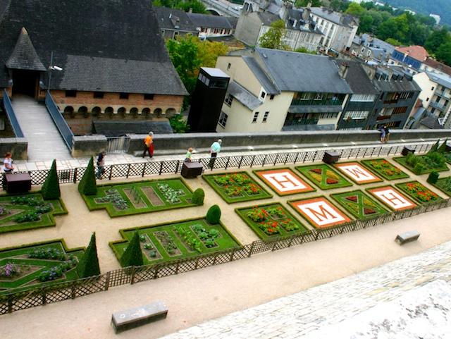 The Castle's Garden © Spichou - Creative Commons (CC SA 3.0)