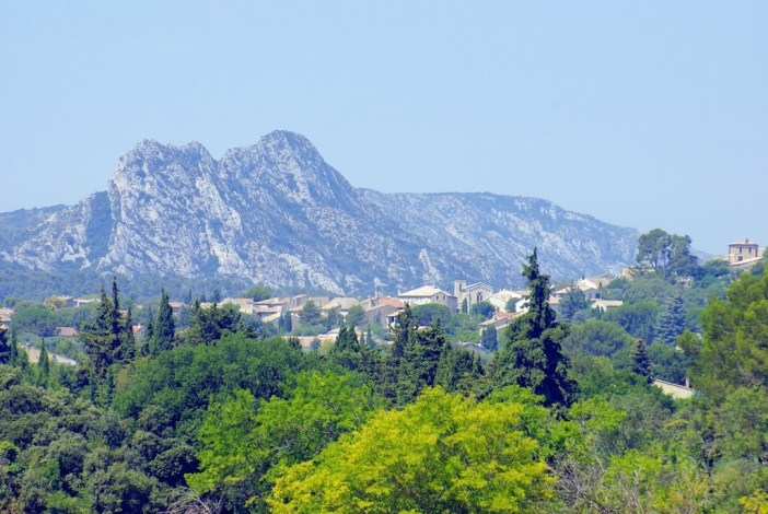 Eygalières and the Alpilles © French Moments