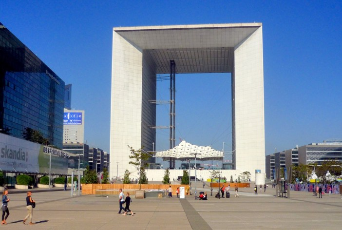 Grande Arche de la Fraternité © French Moments