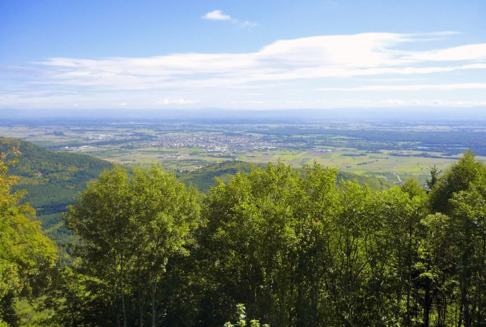 The view to the plain of Alsace from the Haut-Kœnigsbourg castle © French Moments