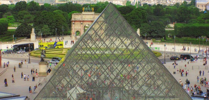 The glass pyramid is not aligned with the Historical Axis of Paris © French Moments