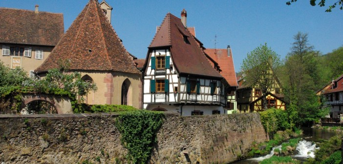 The picturesque little town of Kaysersberg in Alsace © French Moments