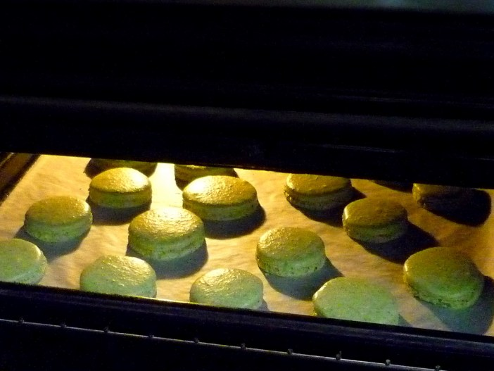 Macarons preparation © French Moments