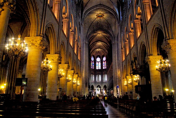 The nave © French Moments
