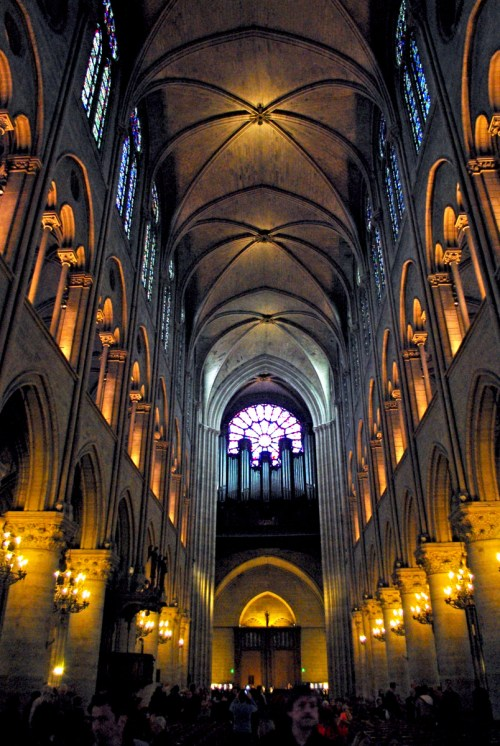 Nave and organ of Notre Dame de Paris © French Moments