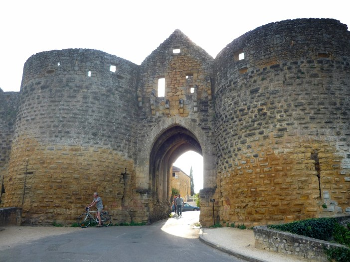 Fortified gate in Domme © French Moments