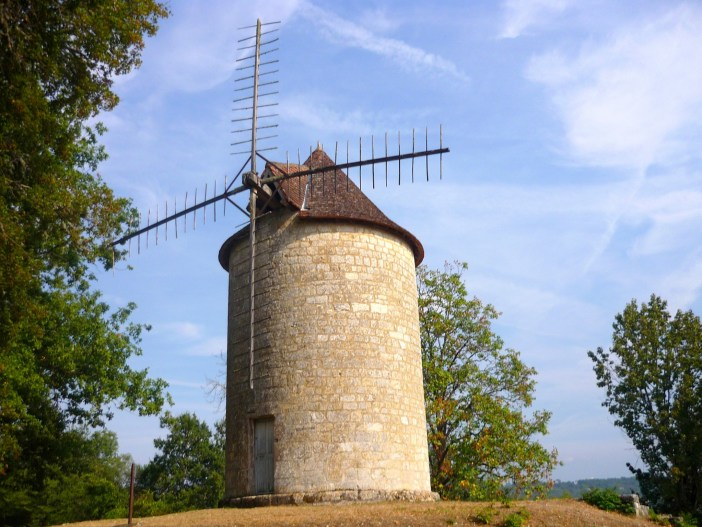 Windmill 'Moulin du Roy' in Domme © French Moments
