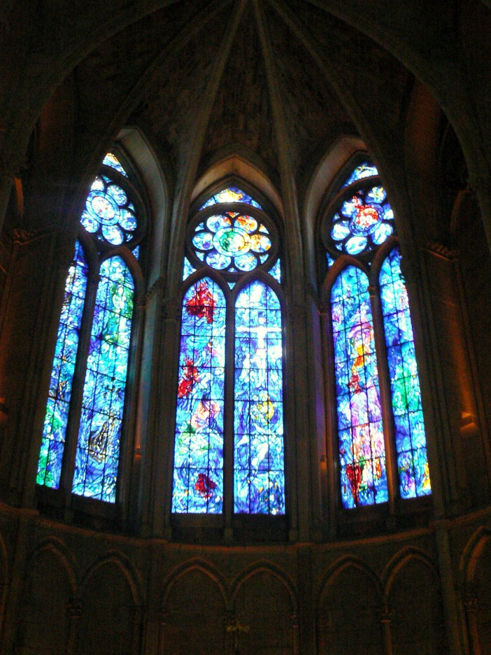 Marc Chagall's stained-glass windows, Reims Cathedral © French Moments