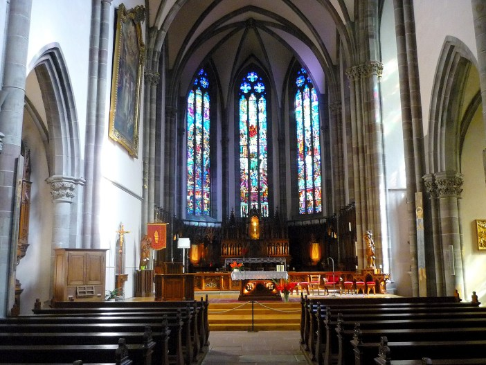 The inside of St. Grégoire church in Ribeauvillé © French Moments
