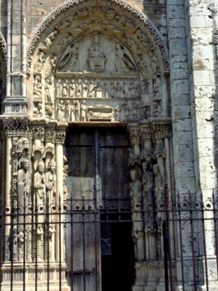 Right Portal of the Royal Portal, Chartres Cathedral © University of Pittsburgh