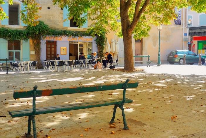 Place Favier, Saint-Rémy-de-Provence © French Moments