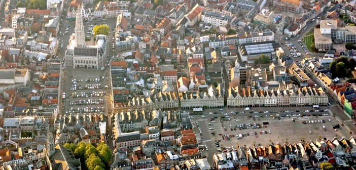 Squares of Arras from above © Pir6mon - licence [CC BY-SA 3