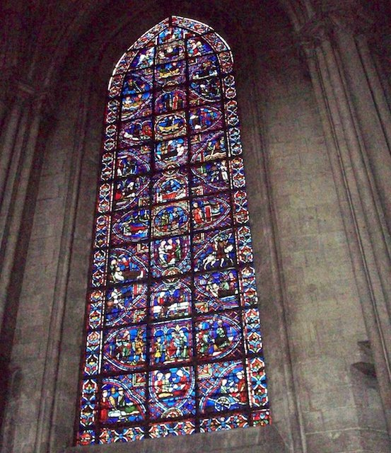 Stained-glass windows of Saint Julian the Hospitaller in the northern ambulatory, Rouen Cathedral © Giogo - Creative Commons (CC BY-SA 3