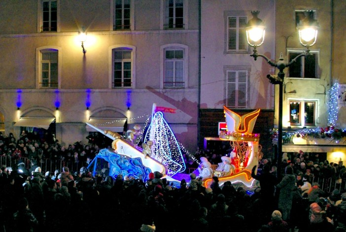 The parade of the Saint-Nicolas celebrations in Nancy © French Moments