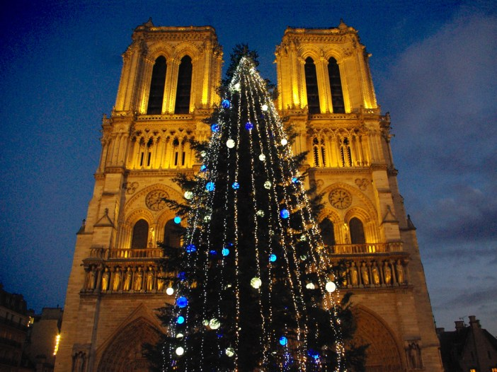Notre-Dame at Christmas © French Moments