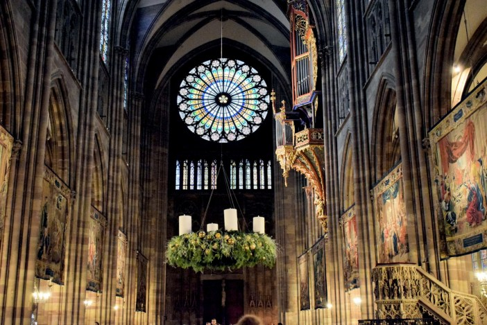 The giant Advent wreath inside Strasbourg cathedral © French Moments