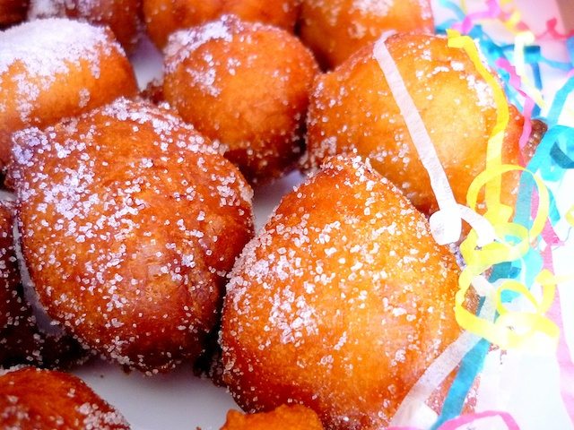 French Beignets de Carnaval © French Moments