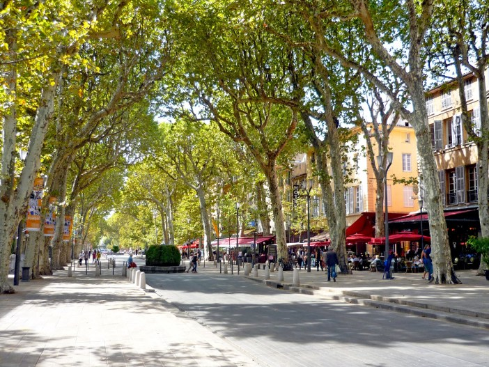 Cours Mirabeau Aix-en-Provence © French Moments