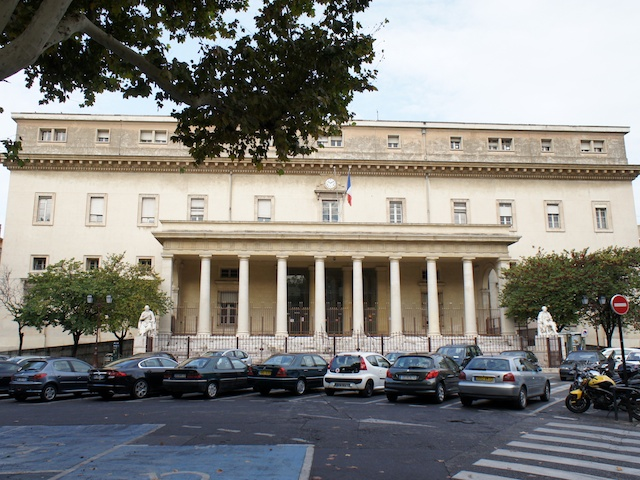 Palais de Justice, Aix-en-Provence © Photo: JM Campaner, licence [CC BY-SA 3.0], from Wikimedia Commons
