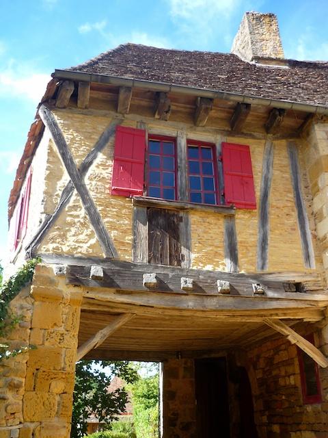 Maison de la Justice, Limeuil, Périgord © French Moments