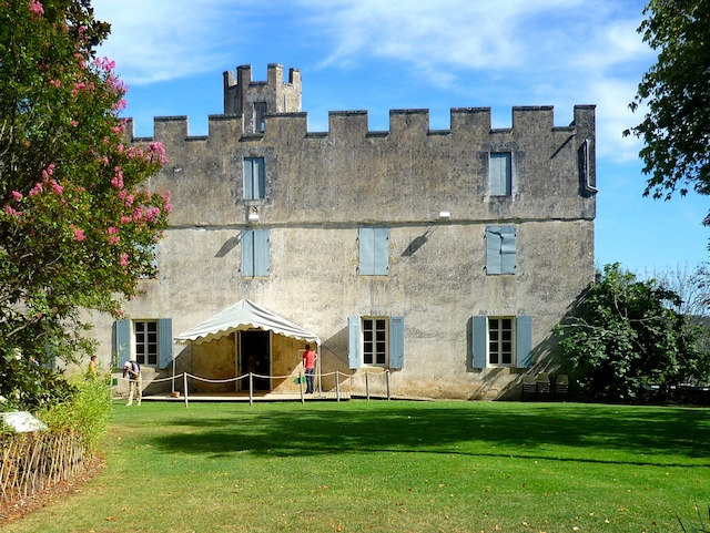 Castle Grounds, Limeuil, Périgord © French Moments