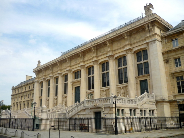 Western Façade of the Palace of Justice, Paris © French Moments