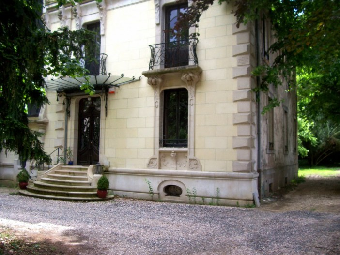 Villa Renaudin, 49-51 Rue Pasteur © Michel Guernier - French Moments