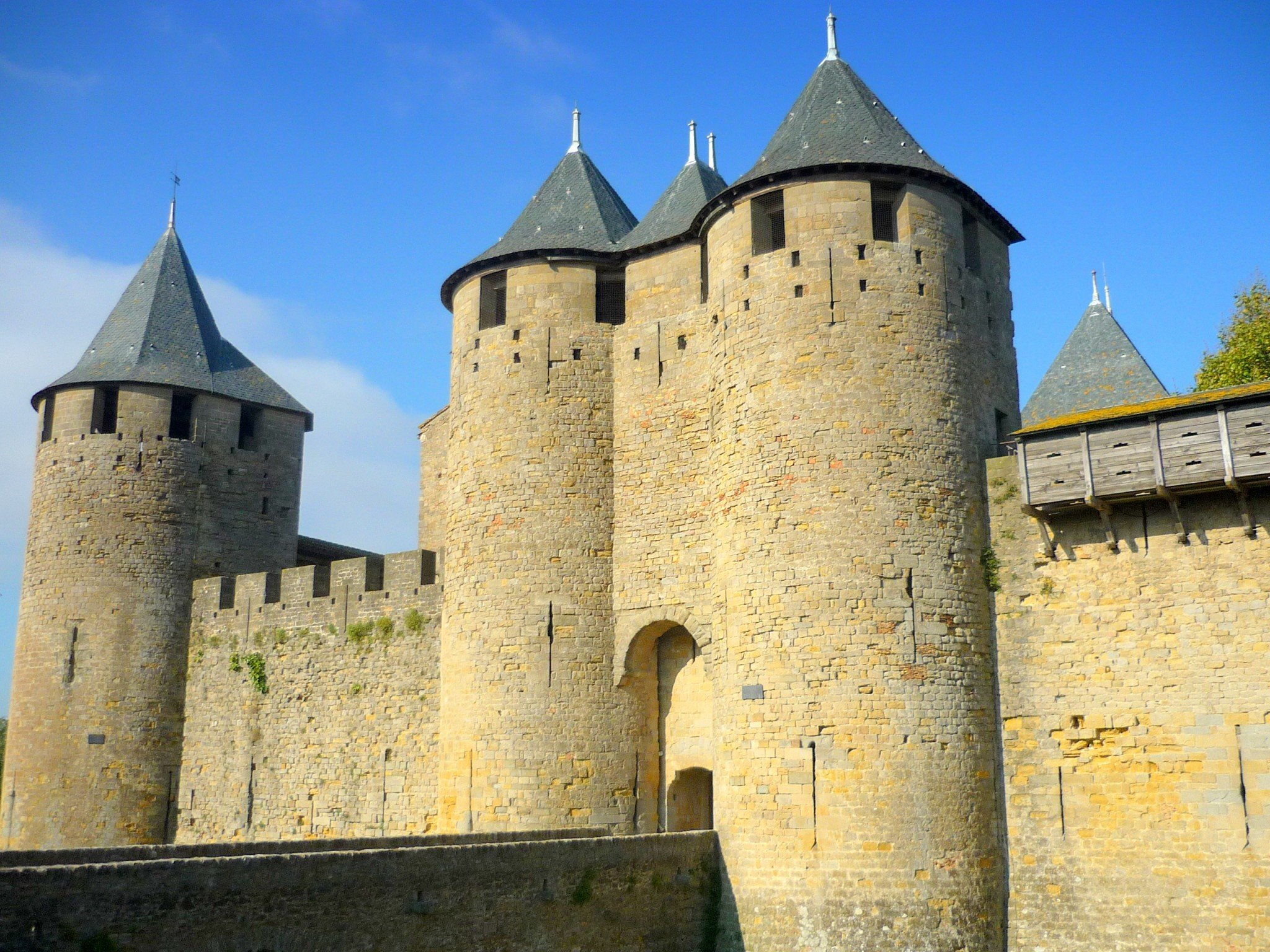 Top 10 most beautiful medieval castles of france