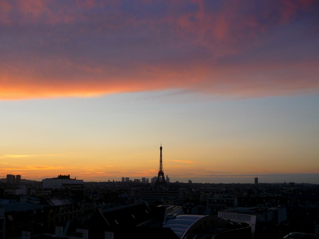 Eiffel Tower at sunset 05 © French Moments