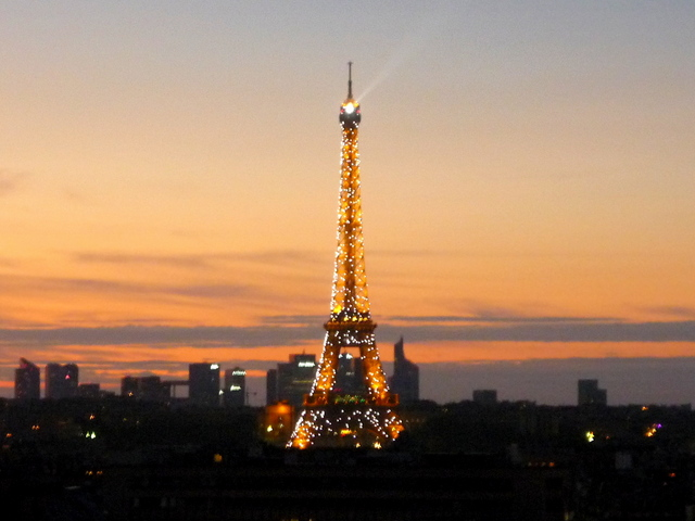 Eiffel Tower at sunset 06 © French Moments