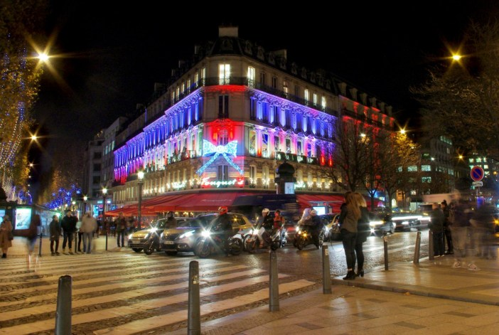 the season of christmas on the champs Élysées french moments