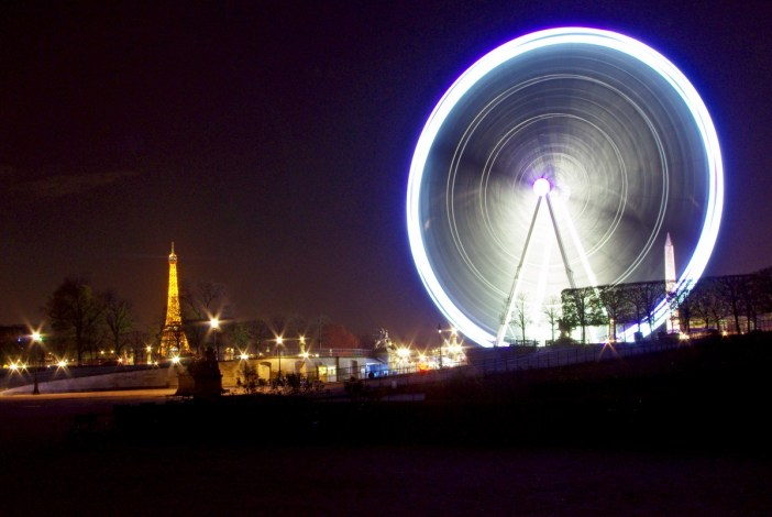 Ferris Wheel, Paris by night © French Moments