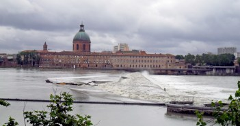 Toulouse and River Garonne © C