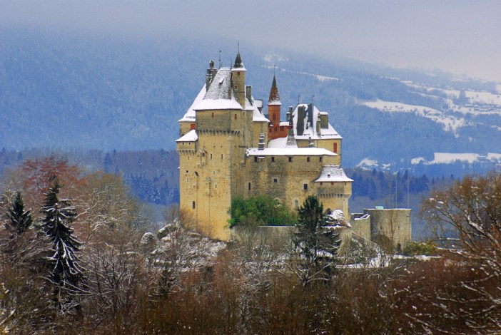 The castle of Menthon, castles of France © French Moments