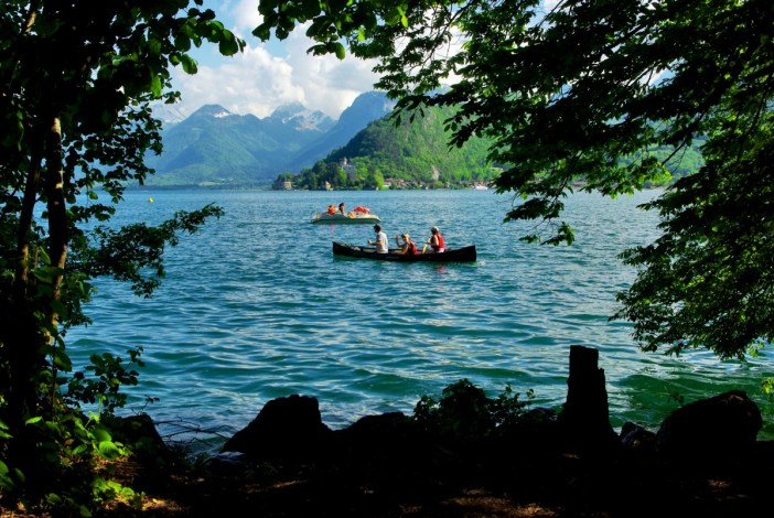 Lakeshore of Talloires © French Moments