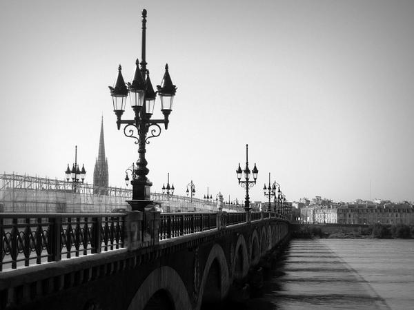 Bordeaux Pont de Pierre 2 © French Moments